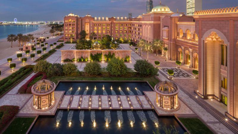 emirates-palace-abu-dhabi-terrace-view