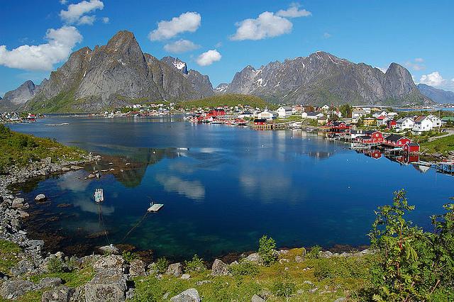 3041502-flickr - _a target=_blank href=https___www.flickr.com_photos_ _melenama__a_ - _a target=_blank href=https___www.flickr.com_photos__4823129537 _Norway - Reine, Lofoten__a_ - _a target=_blank hr