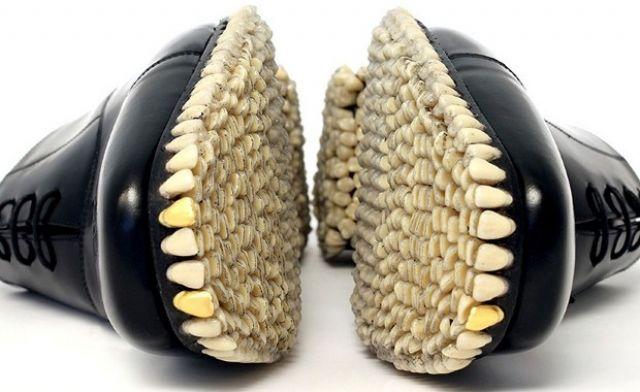 Scarpe con i denti  Le 5 scarpe più strane  42cc779bee7