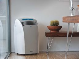 5-caratteristiche-tecniche-immancabili-per-il-tuo-climatizzatore-portatile