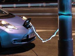 5-dritte-per-scegliere-la-tua-auto-elettrica